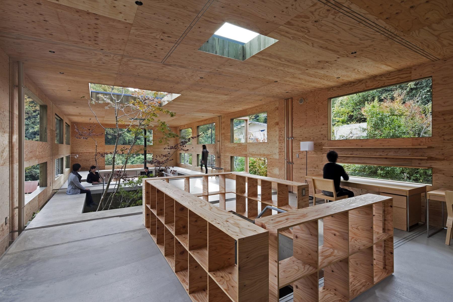 Nest la casa in legno si fonde con la foresta legno for Nest home design